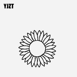 2019 girasoles de vinilo YJZT 13.5CM * 13.4CM Etiqueta engomada del vinilo del coche con vistas al girasol Negro / Plata C23-0747 girasoles de vinilo baratos