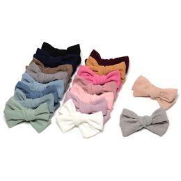 17 colores Corduroy Knot Bow Baby Hair Clip hecho a mano adornos para el cabello para las niñas de la escuela 17pcs / lot JFNY101 desde fabricantes
