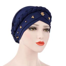 2019 riscaldatori dell'orecchio di ciclismo Musulmano Turbante Stretch Hat Braid Hijab Cap Head Wrap Hair Loss Head Scarf latte seta perline Accessori moda donna