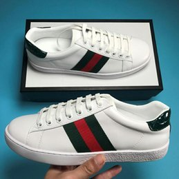 Argentina Nuevo diseñador de la personalidad de lujo zapatos as con cuero de alta calidad de los hombres de las mujeres zapatillas de deporte casuales verde bordado raya abeja tigre Suministro