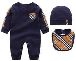 Traje mono de tres piezas traje de bebé de manga larga traje de escalada hembra 0 años de edad 1 traje de otoño bebé hayi ropa recién nacido desde fabricantes