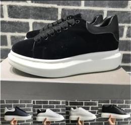 Dentelle oxfords pour femmes en Ligne-2019 Luxe Desinger Femmes Hommes Casual Chaussures Oxford Robe Chaussures pour Hommes Plate-forme Desinger Chaussures En Cuir À Lacets De Mariage Daily Sneaker 35-45