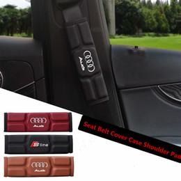 Audi a4 asientos online-Funda para cinturón de seguridad del asiento de coche Hombro para Audi A3 A4 A5 A6 Q3 Q5 Q7 Rojo Negro Marrón Memoria Algodón