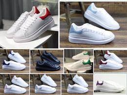 Diseñador barato de lujo para mujer zapatos de skate para mujer de cuero blanco de cuero zapatos cómodos planos zapatillas de deporte casuales tamaño 35-40 desde fabricantes