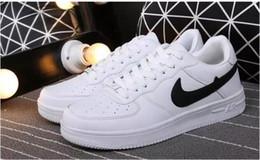 Massage des femmes en bas en Ligne-HOT 2019 hommes amateurs de chaussures de sport bas pour Pour Unisexe nouveau Mode Respirant En Plein Air À lacets sapatos Superstar Marche