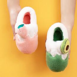 2019 zapatillas de casa de felpa 2019 Winter niños de los deslizadores lindos dibujos animados frutas cómodo zapatos de bebé de algodón caliente niño y niñas la casa de interior Pisos felpa de los deslizadores rebajas zapatillas de casa de felpa
