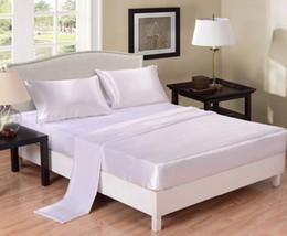 Lenço de cama duplo branco on-line-Atacado-White Set Folha De Cetim Set Enrugamento Livre Super Sedoso Suave Folha De Luxo Plana Lençol Fronha Gêmeo Completa Rainha King Size