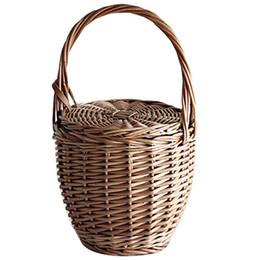 Piccolo tote di paglia online-Beach modo di estate di donne cestino della paglia del sacchetto di mano di copertura borsa di vimini fatto a mano Piccolo Boemia delle donne Tote di viaggio frizione (Brow