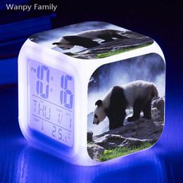 Giant panda Alarm Clock 7 Color Glowing Multifunctio LED Alarm Clock Grande schermo Touch Sensing Digital Flash elettronico da