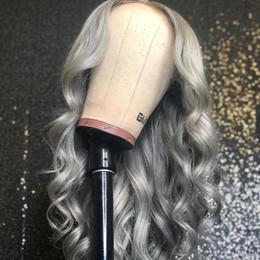 frauen mit langen grauen haaren