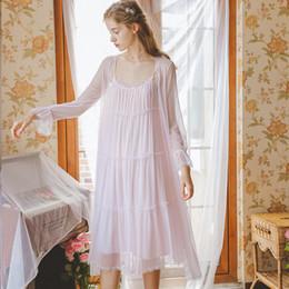 Camisón de manga larga de encaje blanco online-Lady Nightgown Princess Vestido de mujer Bata de dormir Batas de encaje de manga larga Conjunto Verano Otoño Ropa de dormir Vestido de dos piezas Rosa Blanco