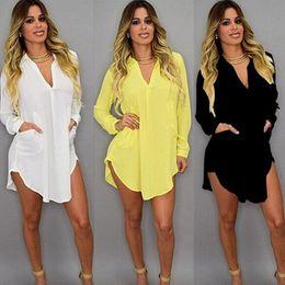 Hemdrock Kleid Kurzes Strandkleid mit V-Ausschnitt Chiffon Weißes, loses, lässiges T-Shirt-Kleid in Übergröße Damen Kleidung von Fabrikanten