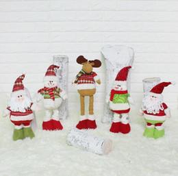 рождественские снеговики Скидка Крытый украшения Рождественская кукла офис спальня украшения ноги выдвижной Санта Снеговик лося куклы Рождественский подарок ребенку бесплатная доставка