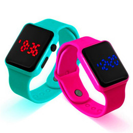 Assistir tela quadrada on-line-DHL 2019 Novo silicone LED pulseira relógio estudante tela sensível ao toque quadrado grande relógio LED relógio não-pedômetro