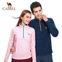 2019 cappotto di cammello delle donne CAMEL Outdoor Fleece Hiking Jacket Uomo Donna Autunno Inverno Giacca a vento spesso caldo Softshell Jacket Alpinismo Camping Coat cappotto di cammello delle donne economici