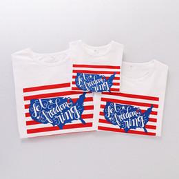 Bandiera del bambino usa online-Parent Child T Shirt Manica corta Girocollo Lettera American Flag Independence National Day USA 4 luglio Stripe Famiglia corrispondenza abiti