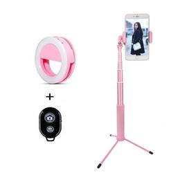 2019 selfie colle rose Bâton Selfie à distance sans fil extensible de 63 pouces avec trépied et lumière compatible pour iPhone ou autre smartphone (rose) selfie colle rose pas cher