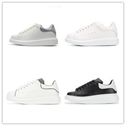 3c1ad890 2019 Designer Luxury white leather casual shoes for girl women men black  gold red fashion comfortable flat sneakers size 35-44 v01
