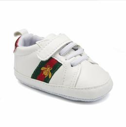 2019 ragazze casual scarpe stile 17 Styles Baby Soft Bottom Sneakers Scarpe Moda Ragazzi Ragazze Primi Camminatori Scarpe Infantili Indoor antiscivolo Toddler Casual Bambini ape Scarpe ragazze casual scarpe stile economici