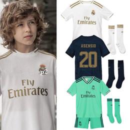 echte madrid uniform gesetzt Rabatt 2019 Kids Kit Real Madrid Fußballtrikots # 23 HAZARD # 9 BENZEMA 19/20 Jungenfußballtrikots Kinder-Fußballuniformen nach Maß