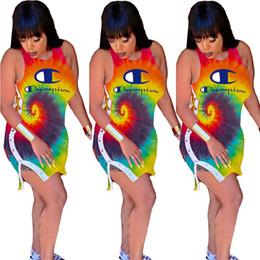 2019 pulsanti coloranti Vestiti delle donne di marca dei campioni Sleevesless breve gonne corte Colorato Die-dye Canotta Vest aderente Bottoni vestito dal progettista di lusso C62807 sconti pulsanti coloranti