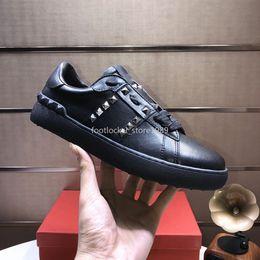 Spikes bande noire Lady Comfort Robe Casual Chaussures Sport Sneaker Hommes Chaussures en cuir Casual personnalité Femmes randonnée pédestre
