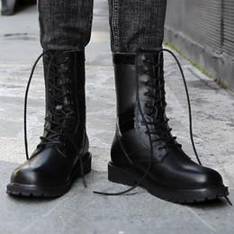 Laços de sapato redondos pretos longos on-line-Homens Ao Ar Livre Plus Size Dedo Do Pé Redondo Botas Compridas Preto Lace Up Botas de Motocicleta Homens Confortáveis À Prova de Perfuração Sapatos de Segurança 6.18