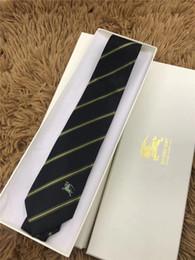 presente rápido do transporte Desconto Mais recente gravata Designer de alta qualidade 100% gravata de seda caixa de presente da marca 7 cm edição clássica de design de luxo casual gravata estreita dos homens navio rápido