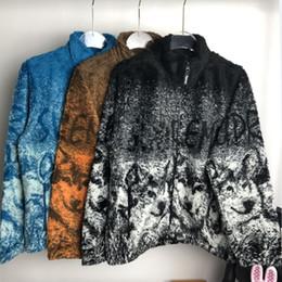 lana de lobo Rebajas Chaquetas de diseño para hombre collar del soporte de la chaqueta de paño grueso y suave 19SS Wolf Totem lobos Moda Marca Calle floja OutwearChildrens