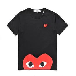 Полут-майки для мужчин онлайн-Высокое качество мужской дизайнер Половина сердца C-D-G play tee commes des garcons печати красный любовь сердце тройники Мужчины Женщины хлопок повседневная белые футболки