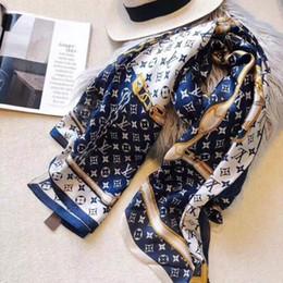 Lenços de seda de grandes dimensões on-line-2019 Moda Verão Unisex lenço de seda Para Homens e Mulheres Oversized Clássico Xales e Lenços Lenços de Verificação frete grátis
