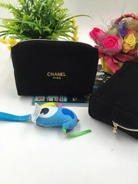 Шаблон косметический мешок бесплатно онлайн-Бесплатная доставка равнина шаблон новое прибытие черный косметичка женская мыть макияж сумка леди мода сумка популярный кошелек