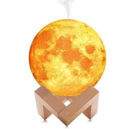Lámpara de luna encendida online-Lámpara lunar 3D Humidificador 880ML Luz de noche Humidificador de aire Difusor Aroma Humidificador esencial Purificador de aire Ambientador GGA1883