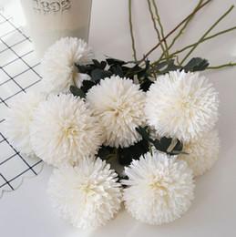 Diy flores falsificadas real toque pano crisântemo artificial flores bolas de flores de seda falso home decor party decoração de mesa de casamento decoração de casa de Fornecedores de pano de mesa de seda para decoração de festa