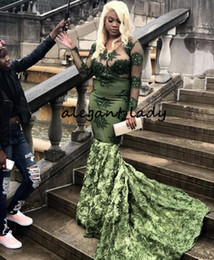 Abito sexy dell'abito dell'esercito online-Vestiti da partito di sera lunghi del manicotto verde dell'esercito di esercito 2019 vestito sexy africano di promenade di occasione di formato del treno floreale del pizzo del V-collo