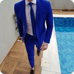 Piezas de esmoquin masculino diseños online-Últimos pantalones de abrigo Diseños Azul real Trajes de los hombres para la boda Casual de negocios chaqueta masculina Novio Esmoquin de baile por encargo traje Homme de dos piezas