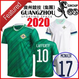 Jerseys tailandeses envío gratis online-La más nueva calidad 2020 2021 camisetas de fútbol de Tailandia Irlanda del Norte Irlanda del Norte 2020 de fútbol camisetas de local EVANS LEWIS HOMBRE KIDS