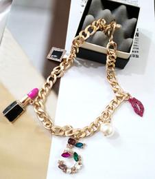 Gargantilla de perlas rojas online-Bold Chain Red Lipstick Necklace No.5 Pearl Choker Tassel Neclace Collar corto