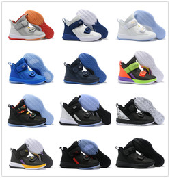 soldat lebron 12 Promotion Lebron Soldier 13 Noir Blanc Pourpre Hommes Chaussures De Basketball L13 High Cut Hommes Designer Chaussures Sport Trainer Taille 7-12 Avec La Boîte