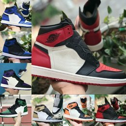 on sale efe5a 1851b Nike Air Jordan retro 1 Shoes 2019 New Jordans 1 Mid TOP 3 Hohe OG  Basketballschuhe Spiel Royal Banned Shaded Bred Rot Blue Toe Günstige  Männer Frauen 1s ...