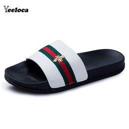 2019 sandali da bagno Ciabatte da uomo Pantofole da bagno casual Pantofole da bagno per interni Pantofola Soft Sole Coppia Infradito Nero Bianco Yeeloca sandali da bagno economici