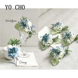ornamento do jardim de flor de lótus Desconto YO CHO Silk Rose Branco noivo Boutonniere flores do casamento Corsage pulso Pulseira da dama de honra do casamento Broches Casamento Acessórios