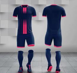 Leere fußball-uniformen online-Großhandel für Erwachsene Kit Ihr Team Logo Blank Soccer Trikots eingestellt Uniform Camisetas de Futbol mit Shorts Fußball Shirts
