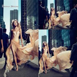 Vestido largo de palabra de corazón de champagne online-Champagne una línea de vestido de noche gasa palabra de longitud cariño con dividir ocasión especial vestido de fiesta vestido de fiesta
