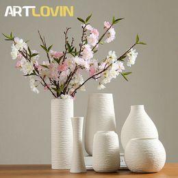 простая ваза для цветов Скидка Classic White Ceramic Vase Chinese Porcelain Vases modern simple design for artificial flower home decoration accessories