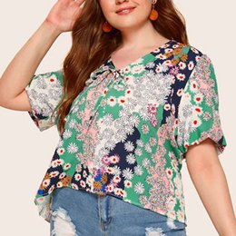 belted peplum shirts Coupons - 2019 Summer Women's T shirt Plus Size Sexy Floral Print Flare Sleeve Belted Surplice Peplum Tops Blusas Feminina New