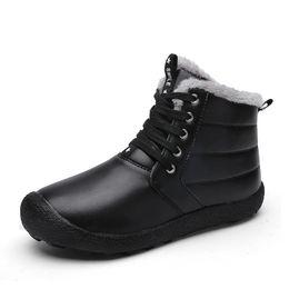 Calzado de vaquero online-Zapatos calientes nieve de la piel de los hombres botas de invierno para hombre del zapato de cuero del tobillo del vaquero shose impermeable hombre de la motocicleta arranque casual 2019 Calzado