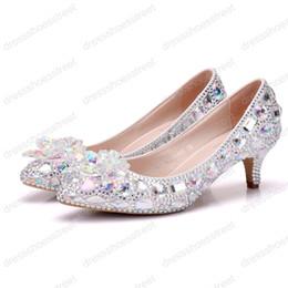 2019 zapatos de boda de tacón bajo de plata de diamantes de imitación 5 cm de tacón grueso de cristal zapatos de las mujeres bombas 5 cm Rhinestone talones Rhinestone de plata de las mujeres zapatos de boda tacones bajos rebajas zapatos de boda de tacón bajo de plata de diamantes de imitación