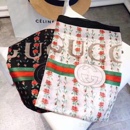 2019 NUOVA sciarpa di seta per le donne primavera estate design europeo rosa fiore stampato verde rosso sciarpe lunghe avvolgere con tag 180x90 cm scialli da fiori di seta da donna fornitori