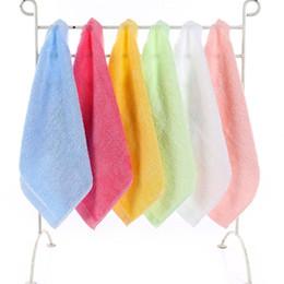 fazzoletto per neonato Sconti fibra di bambù bambino appena nato piccolo asciugamano quadrato di colore solido asciugamano fronte del cotone bavaglini neonato sciarpa piazza panno Saliva 25 * 25cm fazzoletto C1468